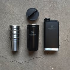 Adventure Shots+Flask Gift Set